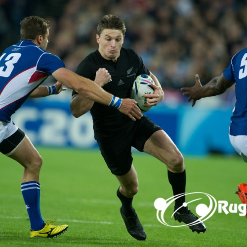Beauden Barrett ai Blues fino al 2023